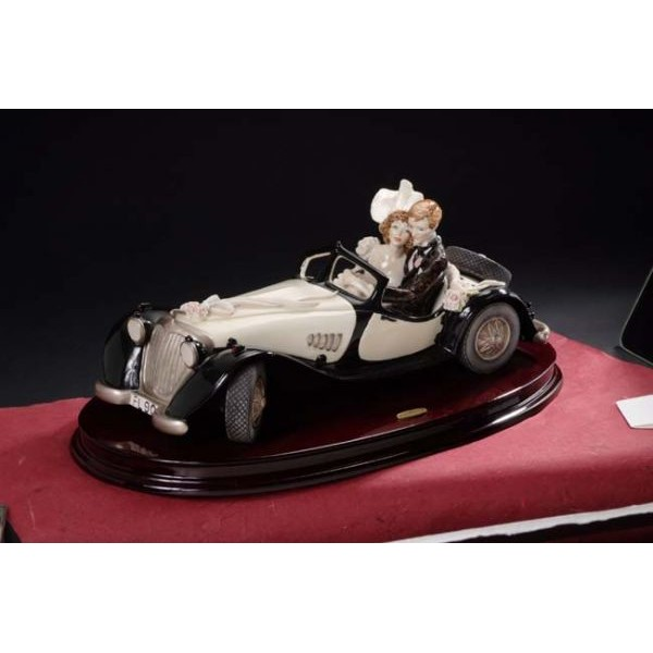 Giuseppe Armani Bride and Groom In Rolls Royce Figurine | JSIMPORTS